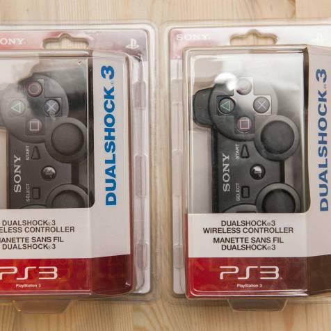 Embalagem falsa (esquerda) e original (direita) têm diferenças nos pesos das letras e na cor vermelha embaixo