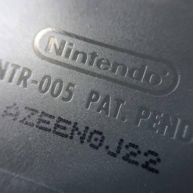 Logotipo Nintendo no verso do cartucho original