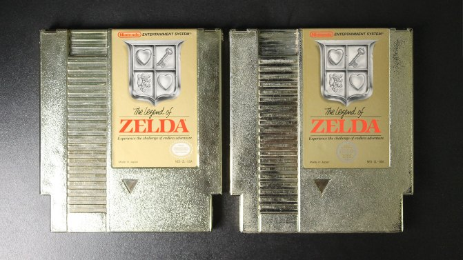 É difícil fotografar os cartuchos dourados, mas dá para ver o desgaste no da direita