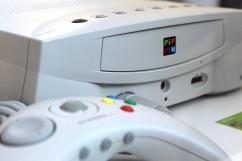 O Pippin (1996) foi a única tentativa da Apple no mundo dos games, em uma parceria com a Bandai