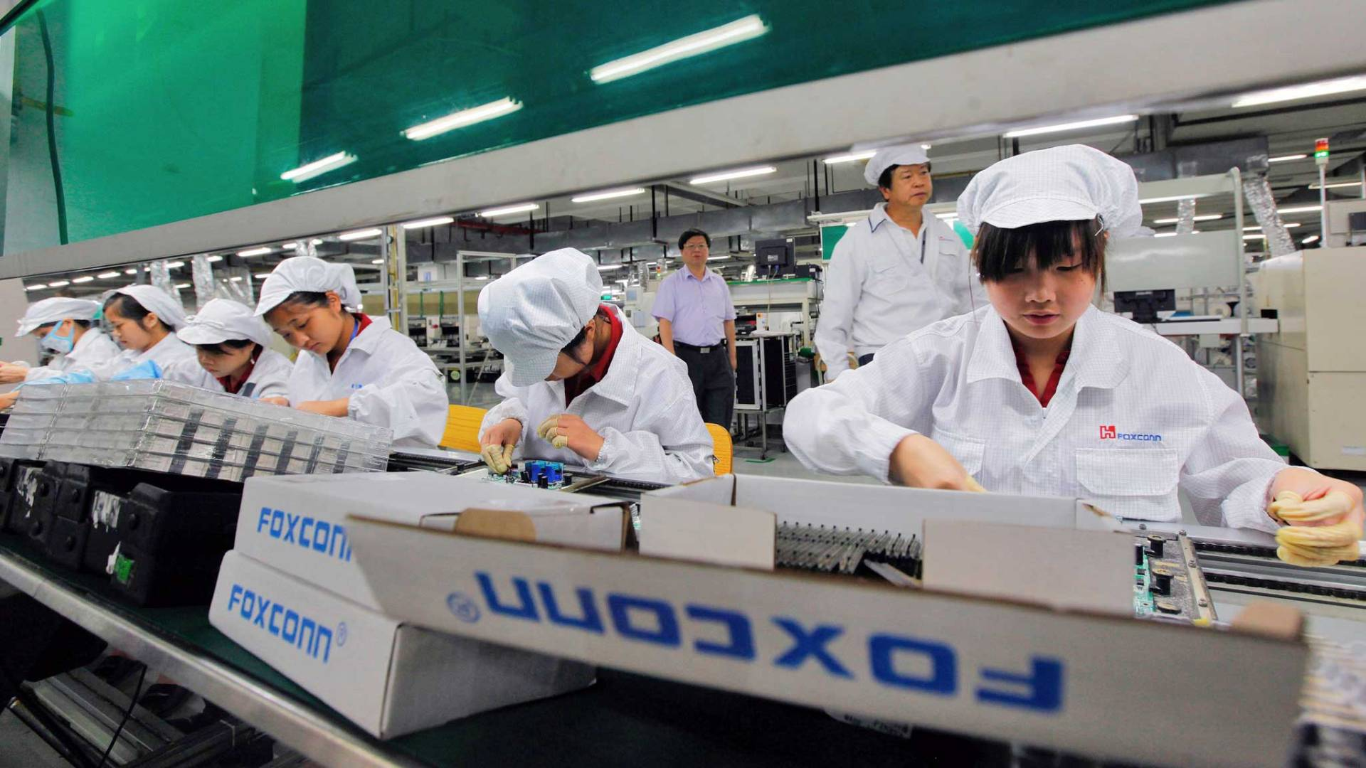 Foxconn plans to create up to 400,000 new jobs